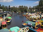 A slow Wednesday afternoon in Xochimilco